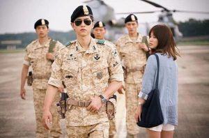 """Song Joong Ki trở thành """"chất xúc tác"""" khiến siêu phẩm này trở nên hấp dẫn hơn, đặc biệt là đối với các khán giả nữ"""