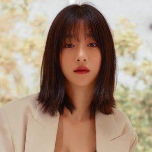 Những kiểu tóc có độ dài trung bình sẽ rất tuyệt và được xem là xu hướng làm đẹp hot nhất hiện nay.