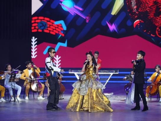 Dế Choắt, Hoàng Thùy Linh và Hoàng Rob có màn trình diễn xuất sắc tại Gala WeChoice