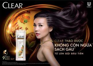 """Clear Thảo Dược giúp Thanh Hằng có mái tóc đẹp sạch khoẻ mới tạo nên sự tự tin để đối đầu với """"đại cuộc""""."""