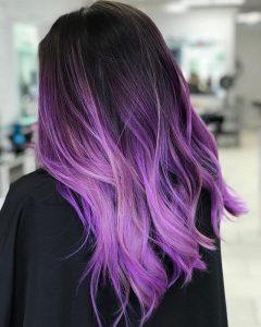 Tóc nhuộm tím Balayage cho cô nàng cá tính mạnh mẽ Ảnh: hairstylecamp.